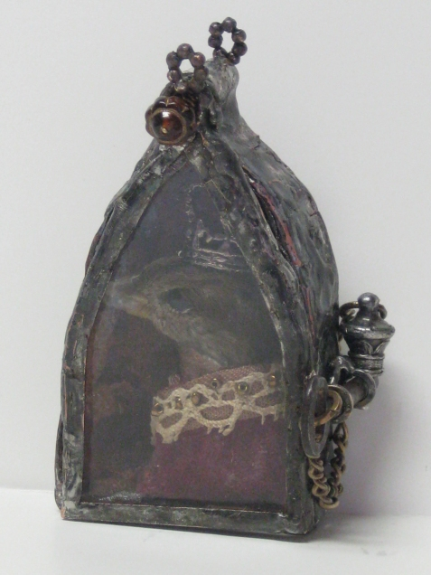 Sparrow-king-gothic-reliquary