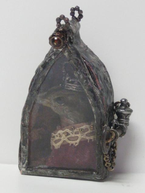 Sparrow-king-gothic-reliquary