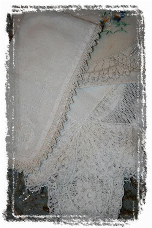 VINTAGE-HANKIES-LINENS (framed with ArtEdges)
