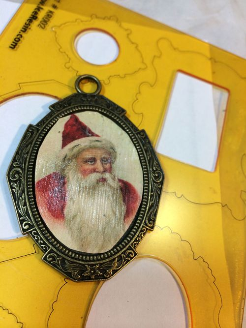 Santa-bezel-ornament1.lesleyvenable