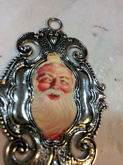 Santa-bezel-ornament2.lesleyvenable